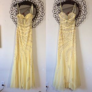 Cache Yellow Mesh Cut Out Silver Beaded Prom Gown